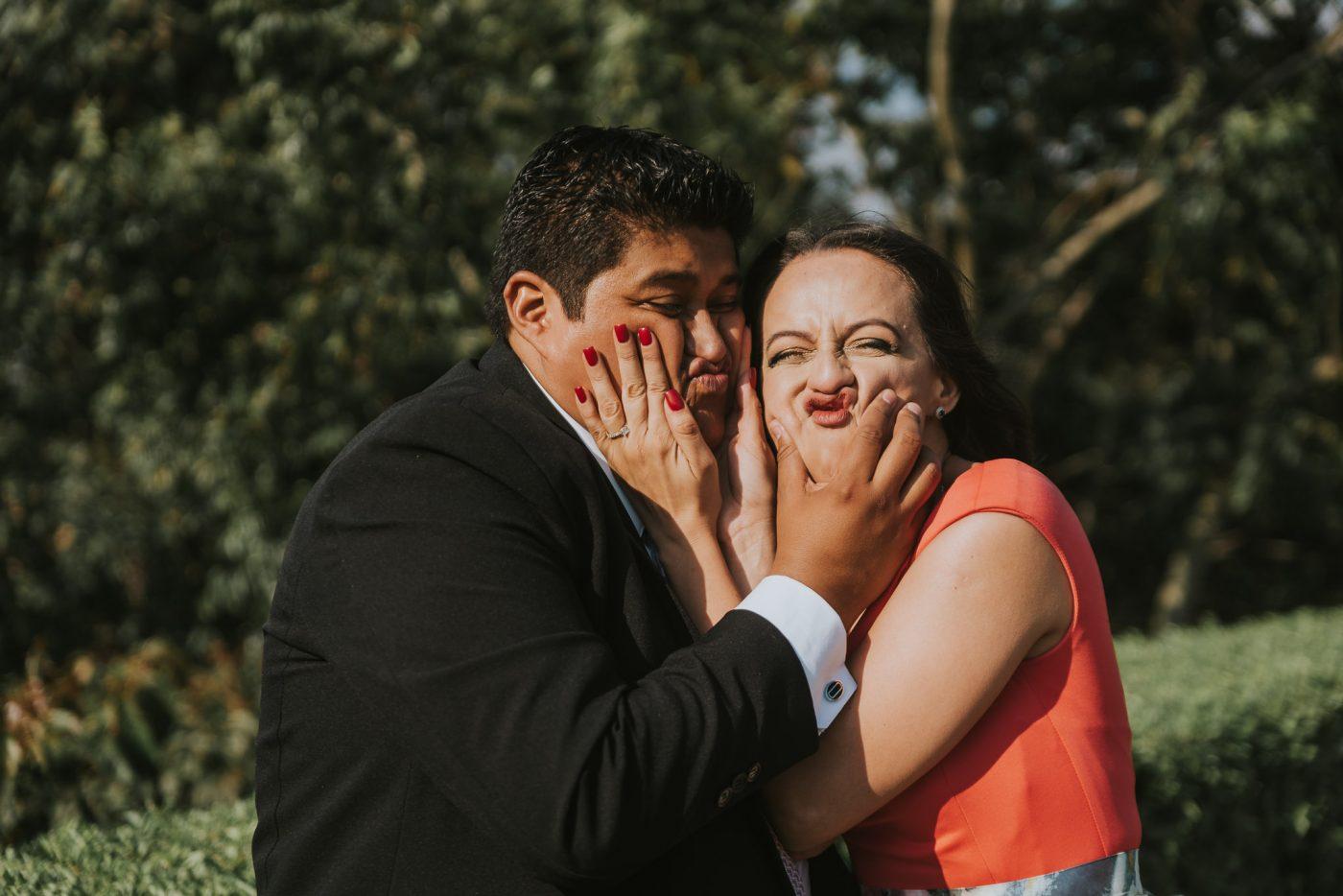 civil-Julio_y_Marella-bodas_Juan_Salazar-wedding-pareja-compromiso-wedding_day-boda