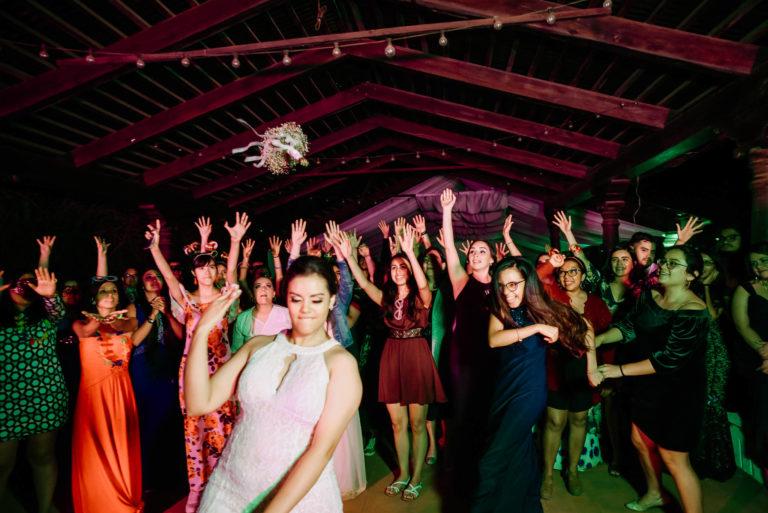 Boda-Mike_y_Yati-Antigua_Guatemala-La_Merced-Bodas_Juan_Salazar-fotografo-wedding-wedinguatemala-neocat