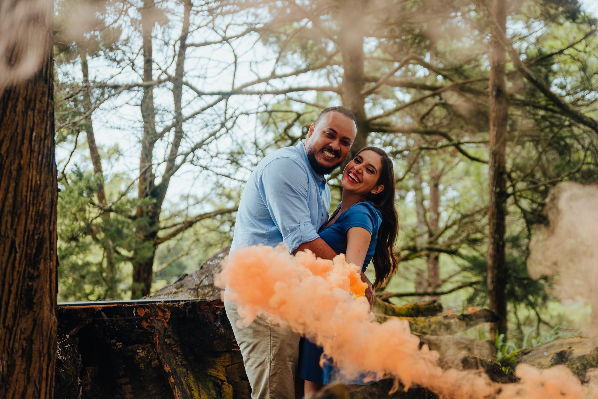 Alejandro_Y_Mariana-Engaged-photos-Jardin_El_Cerro-Bodas_Juan_Salazar-Guatemala-prewedding-save_the_date